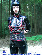 Outdoor ponyplay, pic 3