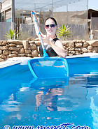 Clean a swimming-pool, pic 5