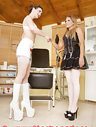 Rubber doctor assistance, pic 2