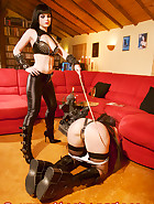 Jill Diamond in chastity, pic 10