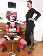 A piano BDSM lesson, pic 1