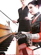A piano BDSM lesson, pic 2